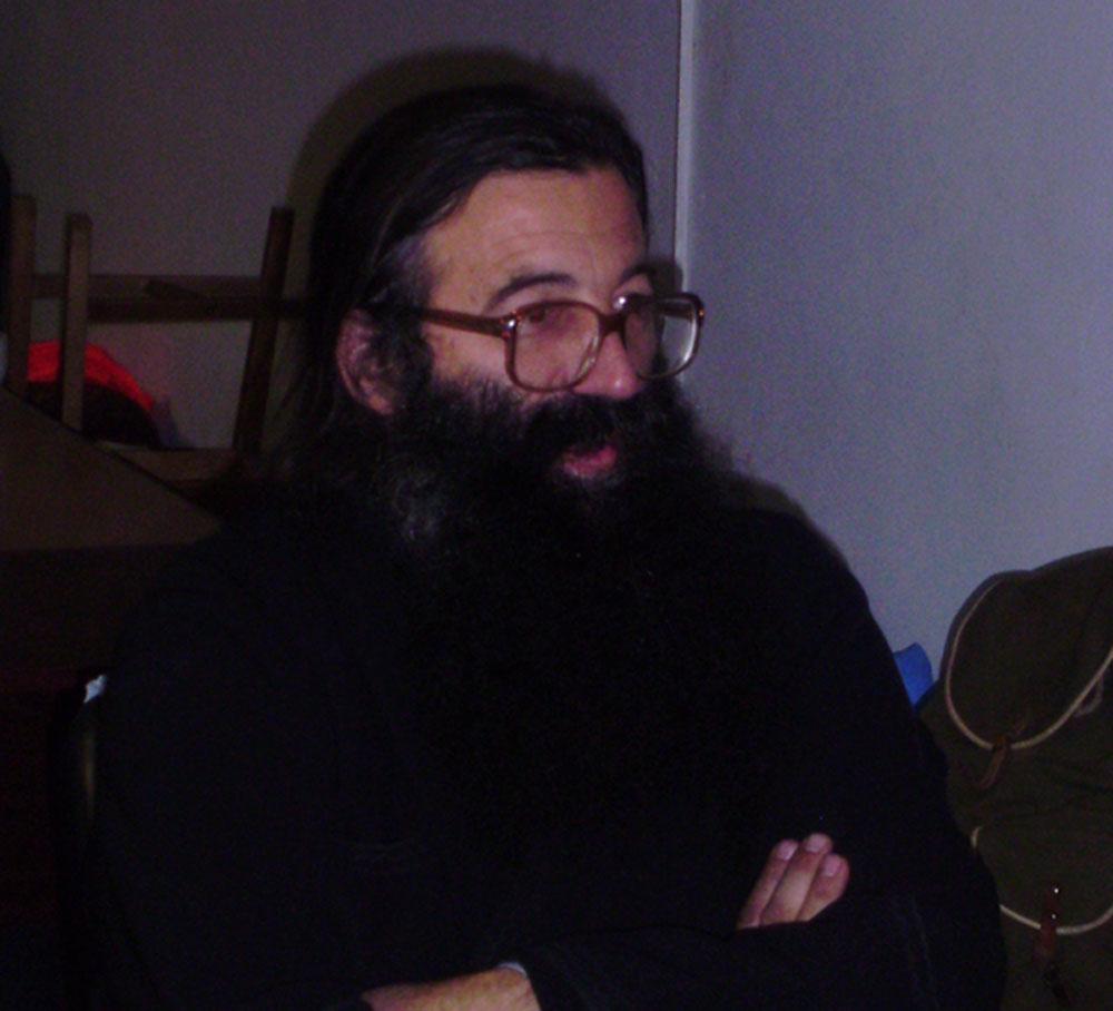 ÎNOTĂM ÎN SÂNGE – Părintele Nicolae Tănase
